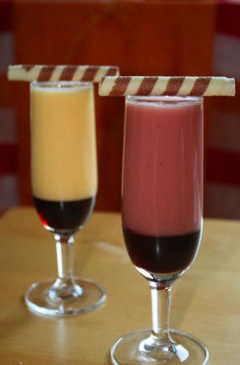 Kirsch-Sahne-Cocktail mit VERPOORTEN ORIGINAL Eierlikör - Cocktails ...