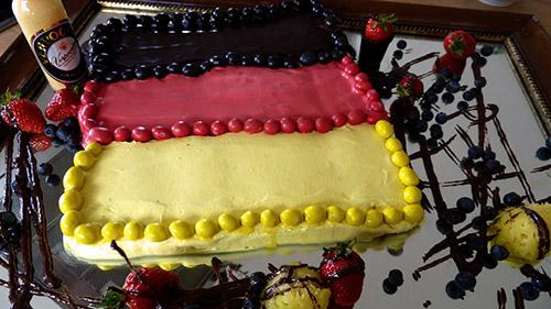 Deutschland tiramisu in schwarz rot gold nachtisch mit for Kuchen in deutschland