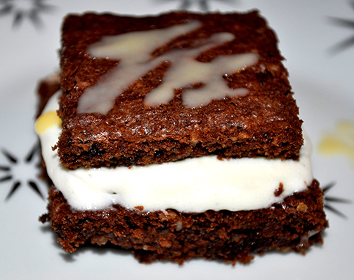 Advents-Brownies mit Verpoorten Original Eierlikoer Fuellung Bild 1