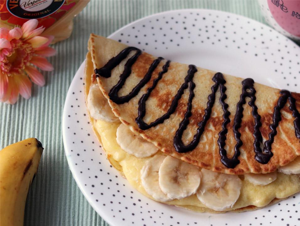 schoko bananen pfannkuchen mit eierlik rcreme nachtisch mit eierlik r verpoorten. Black Bedroom Furniture Sets. Home Design Ideas