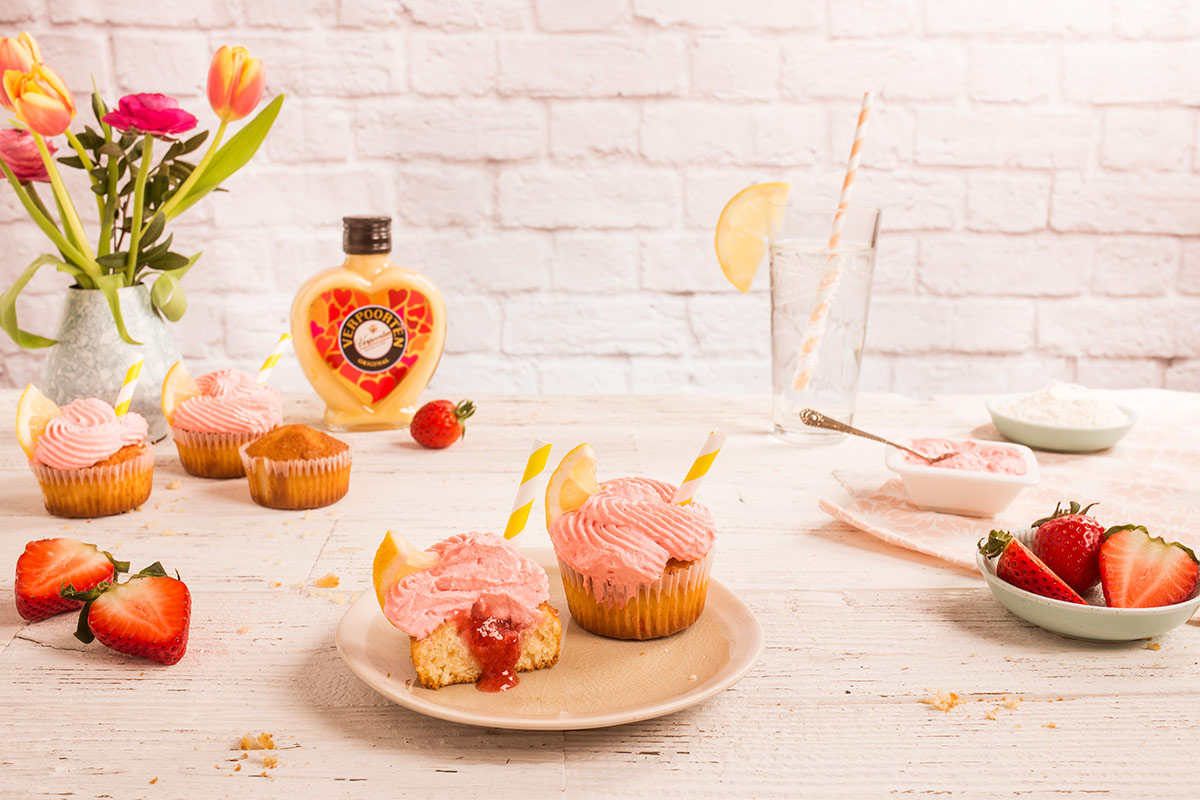 Strawberry Lemonade Cupcakes mit Verpoorten Original Eierlikör