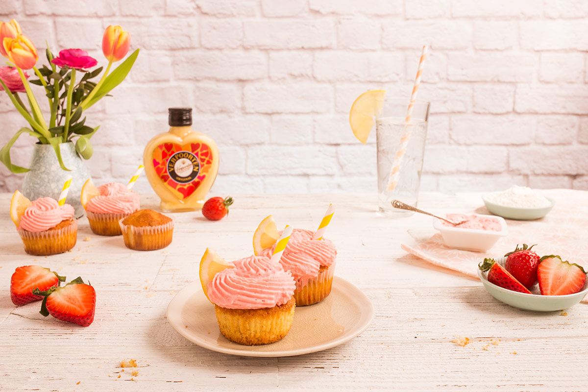 Strawberry Lemonade Cupcakes mit Verpoorten Original Eierlikör Bild 2