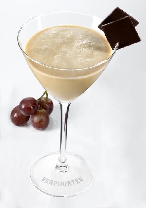 aktuelle drinks mit eierlik r verpoorten chocolate flip mixed by torsten spuhn cocktails und. Black Bedroom Furniture Sets. Home Design Ideas