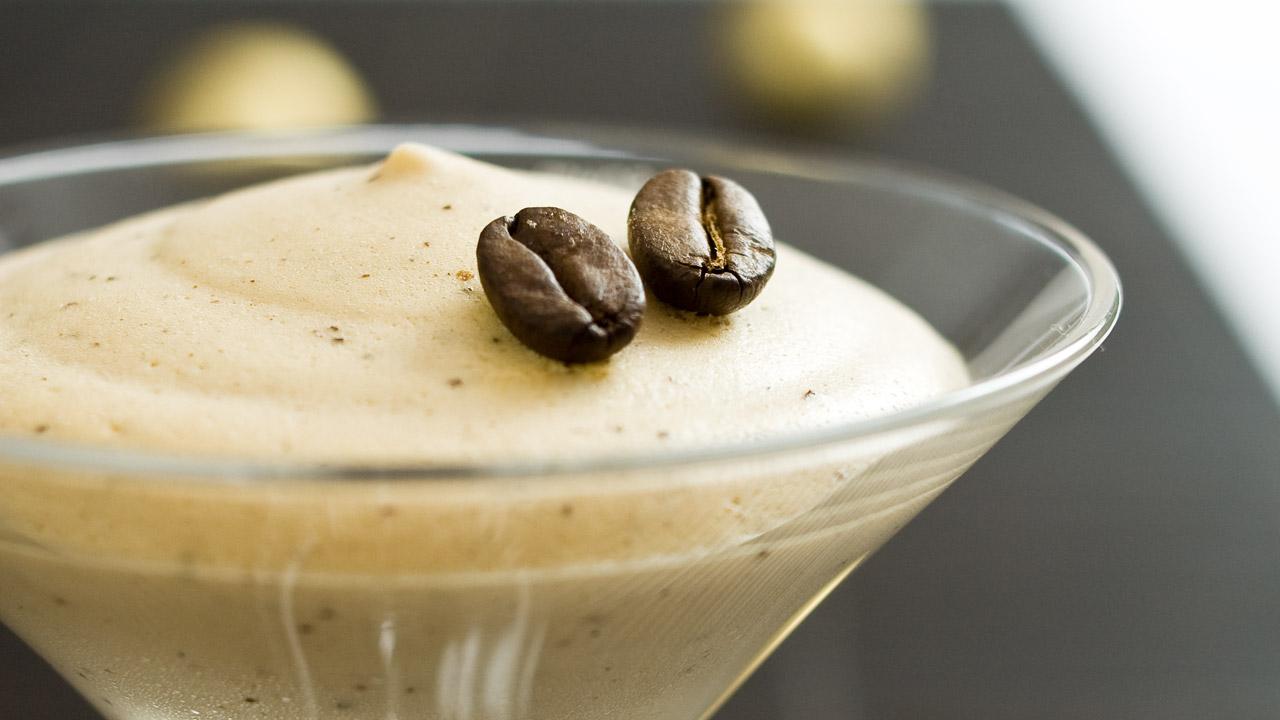 weihnachtsdessert kaffee kardamom creme nachtisch mit eierlik r verpoorten. Black Bedroom Furniture Sets. Home Design Ideas