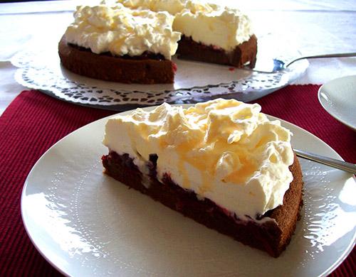 schoko preiselbeer torte mit verpoorten original eierlik r kuchenrezepte mit eierlik r. Black Bedroom Furniture Sets. Home Design Ideas