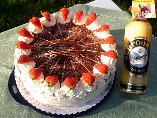 Erdbeer Eierlikor Torte Mit Verpoorten Kuchenrezepte Mit Eierlikor