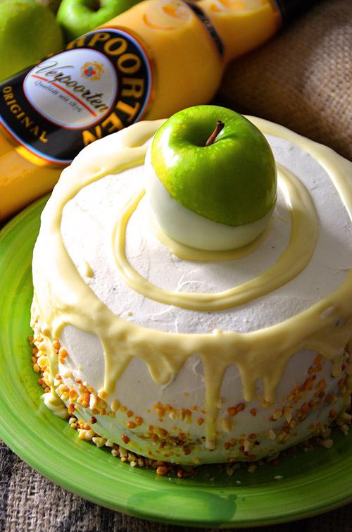 saftiger apfelkuchen mit eierlik r 39 39 verpoorten apple pie dream 39 39 kuchenrezepte mit eierlik r. Black Bedroom Furniture Sets. Home Design Ideas