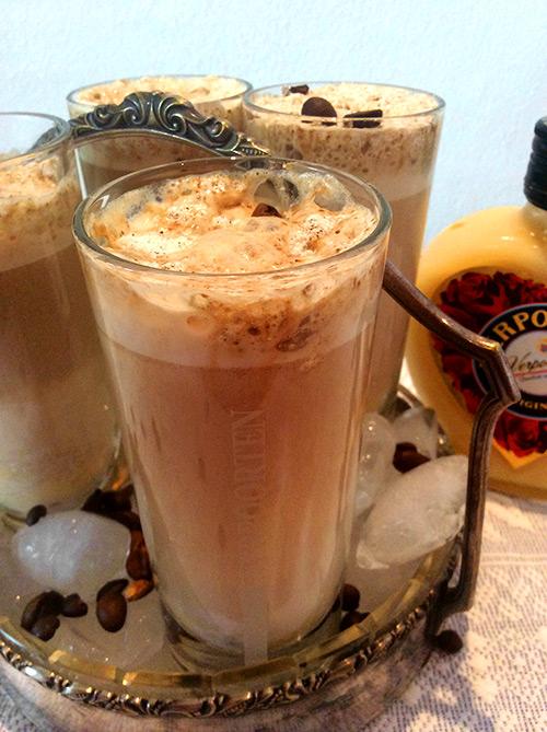 eisgek hlter cappuccino eiskaffee cocktails und longdrinks mit eierlik r verpoorten. Black Bedroom Furniture Sets. Home Design Ideas