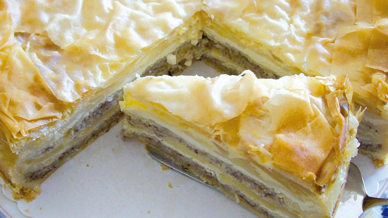 geschichtete apfel nuss torte mit verpoorten original eierlik r kuchenrezepte mit eierlik r. Black Bedroom Furniture Sets. Home Design Ideas