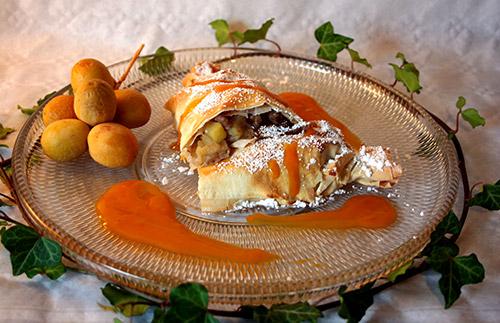 Apfelstrudel Bonbons Mit Frischen Datteln Und Sanddorn Anis