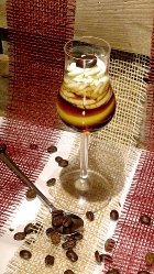 kaffee rezept 39 39 bumblebee mit wodka sahne 39 39 cocktails und longdrinks mit eierlik r verpoorten. Black Bedroom Furniture Sets. Home Design Ideas