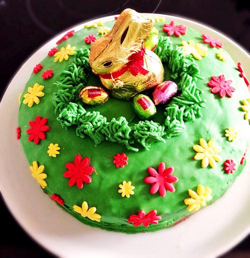 Oster Motivtorte Mit Eierlikor Zauberhafte Hasen Im Gras Torte