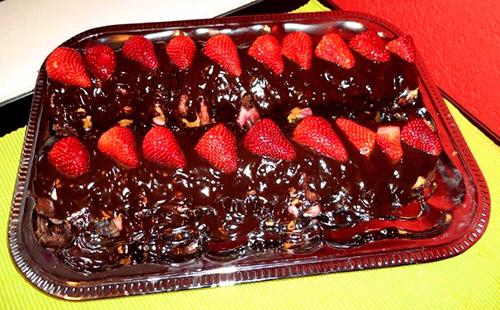 beschwipster erdbeer-meter-kuchen - kuchenrezepte mit eierlikör ... - Küche 3 Meter