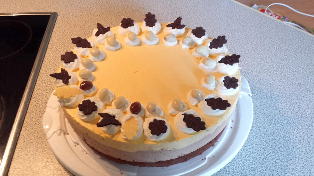 Qimiq-Rezept mit Eierlikör-Vanille-Schokomousse-Torte ...