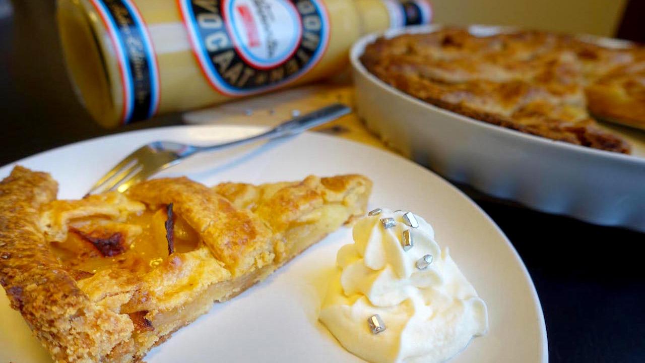 american apple pie mit verpoorten sahnehaube kuchenrezepte mit eierlik r verpoorten. Black Bedroom Furniture Sets. Home Design Ideas
