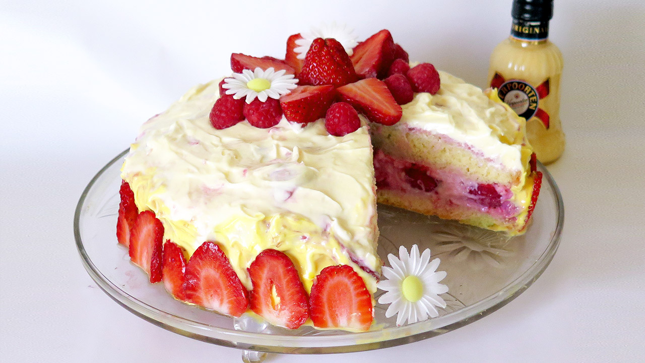 Verpoorten eierlik rtorte 39 39 fr hlingssonne 39 39 mit erdbeeren for Dekoration erdbeeren