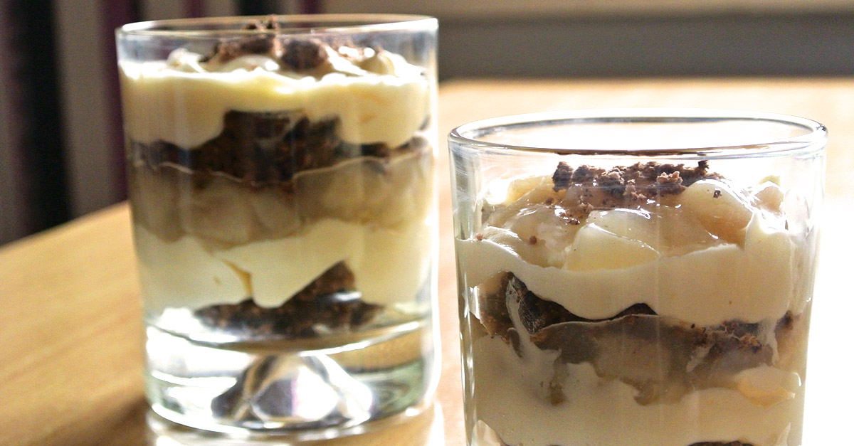 birnen trifle mit verpoorten original eierlik rcreme und schokostreuseln nachtisch mit. Black Bedroom Furniture Sets. Home Design Ideas