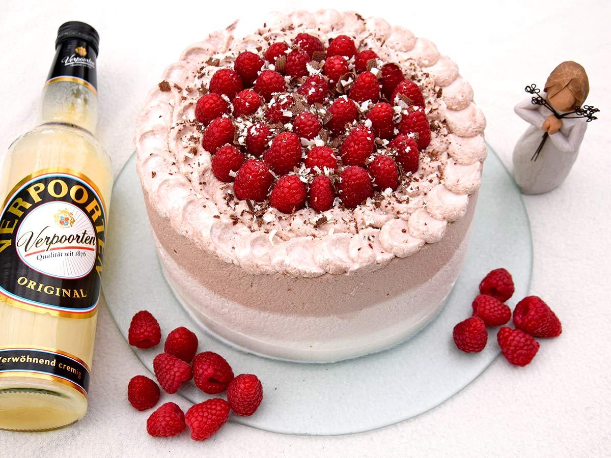 Cappuccino Himbeer Torte Mit Verpoorten Original Eierlikor